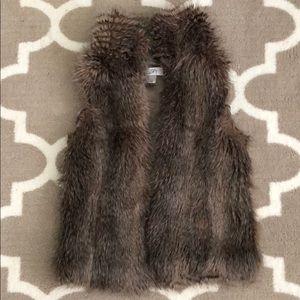 Loft faux fur vest size XS. Full zip